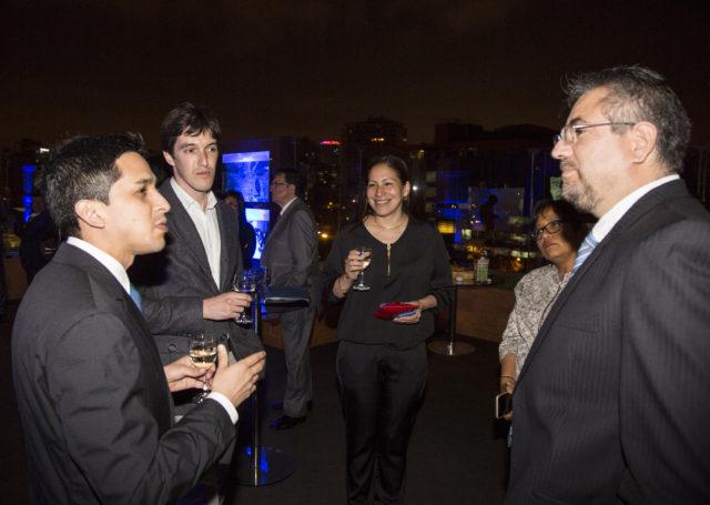 Representantes de Nestlé Perú, Carlos Carcagno, Fernando Maceda e Ian Nightingale, junto a Karim Chacaltana, representante de Pavco Perú y María Luisa Flores, Gerenta de Esmeralda Corp.