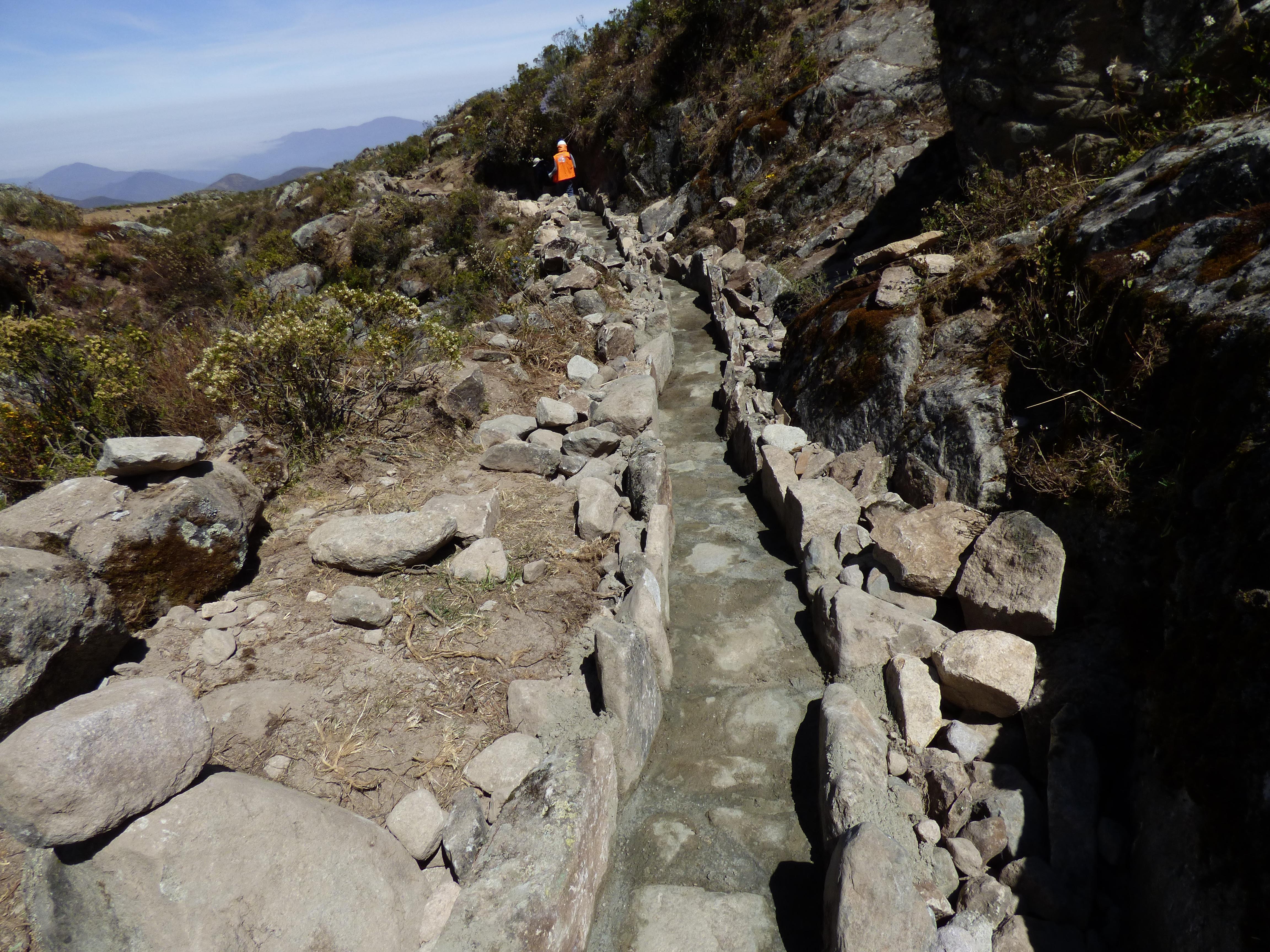 Rehabilitación de la amuna Pacchipucro en Huamantanga