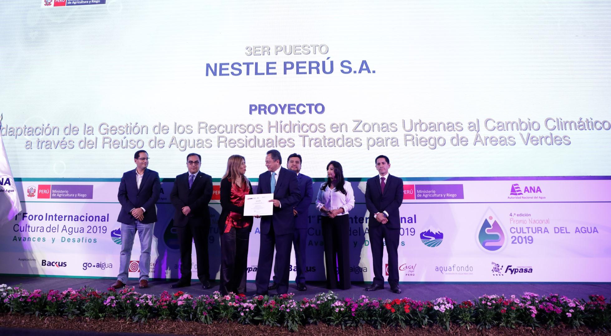 ¡Nestlé y la Municipalidad Metropolitana de Lima son premiados durante la ceremonia al Premio Cultura del Agua!